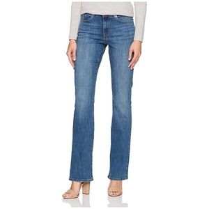 LEVI Strauss & Co Signature Low Rise Bootcut Jeans